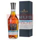 Camus V.S. 40% 0,7l (kartón)